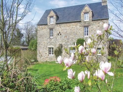 Studio Holiday Home in Monthuchon : Guest accommodation near Coutances