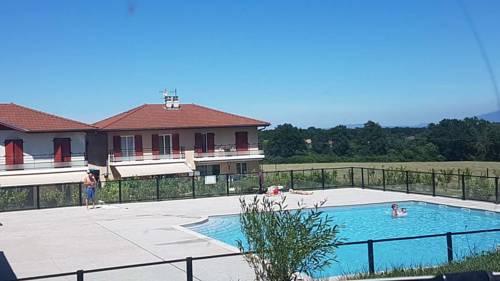 Domaine Privé le Parc : Guest accommodation near Chevrier