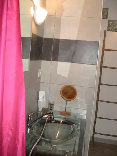 gîte de la salamandre : Apartment near Saint-André-Lachamp