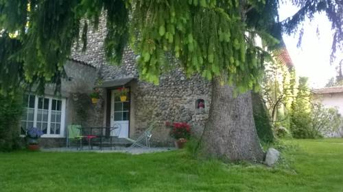 Gite familial a Biol : Guest accommodation near Cessieu