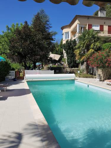 Ma promesse : Bed and Breakfast near Ucel
