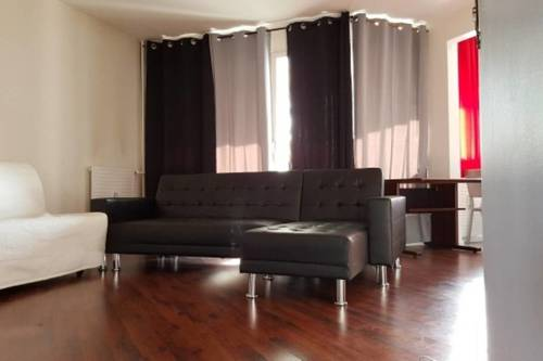 Appartement Lys - 4 pièces tout confort à Evry : Apartment near Ormoy