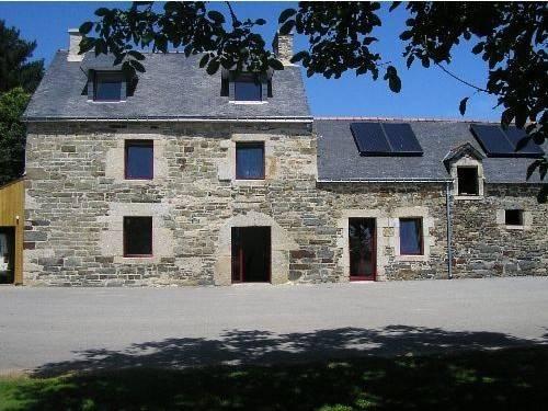 Chambres d'Hôtes Ferme de Kerveno : Bed and Breakfast near Neulliac