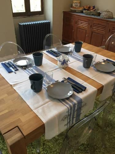 Villa 2 Pas Sages : Guest accommodation near La Roche-Chalais