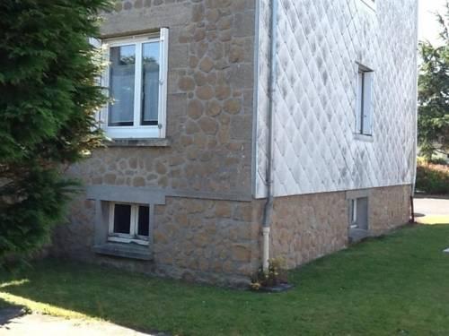 Apartment Appartement rdc refait a neuf en agglomeration : Apartment near Anctoville-sur-Boscq
