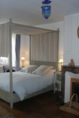 Les Chambres de Lourmel : Bed and Breakfast near Plouray