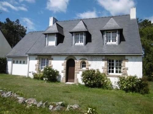 House Le menhir crozon : Guest accommodation near Crozon
