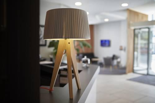 Seven Urban Suites Nantes Centre : Guest accommodation near Rezé