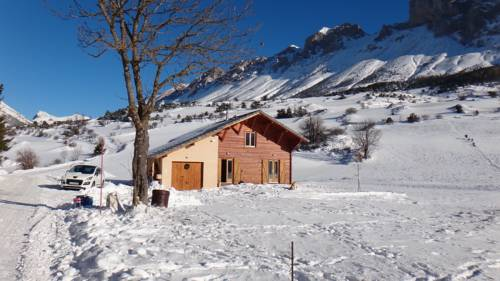 Chalet Superdevoluy : Guest accommodation near Saint-Disdier