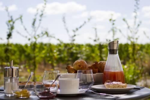 Domaine de la Soucherie - Chambres d'hôtes : Bed and Breakfast near Saint-Aubin-de-Luigné