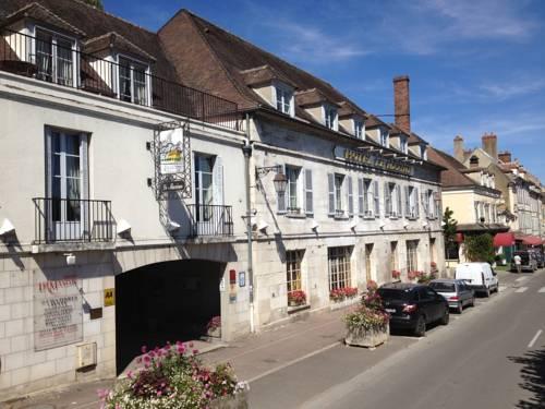 Hôtel Le Maxime : Hotel near Yonne