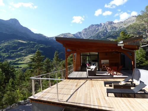 Chalet Contemporain Ubaye : Guest accommodation near Méolans-Revel