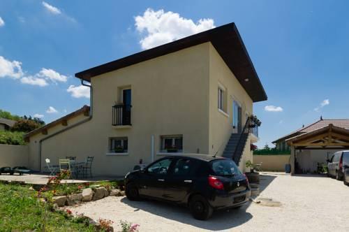 Guest House Domaine des Grouilleres : Guest accommodation near Auberives-sur-Varèze