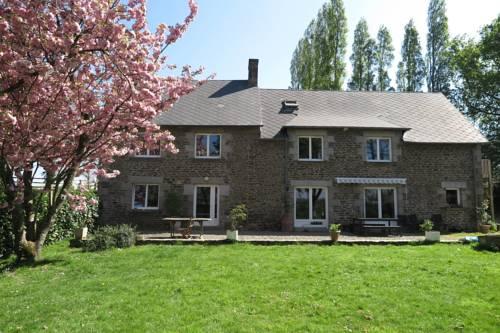 3 marigny : Guest accommodation near Coglès