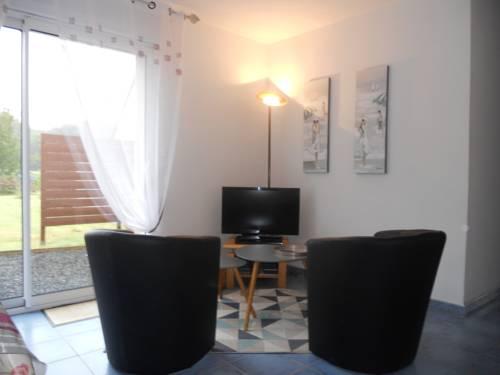 Holiday home Rue de Nivern Bihan : Guest accommodation near Trézény