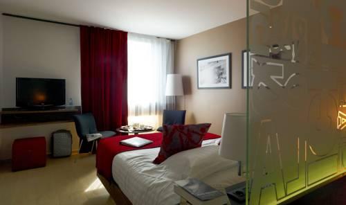 Mercure Villefranche en Beaujolais : Hotel near Rhône