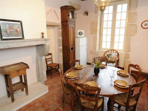 Holiday Home Château de Sermizelles : Guest accommodation near Lucy-sur-Cure