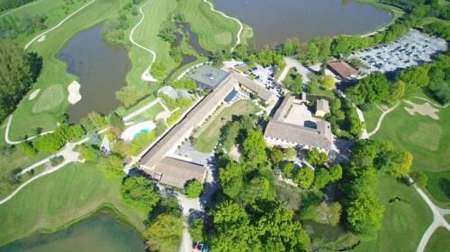 Domaine du Gouverneur, Hôtel, Restaurant & Golf : Hotel near Villars-les-Dombes