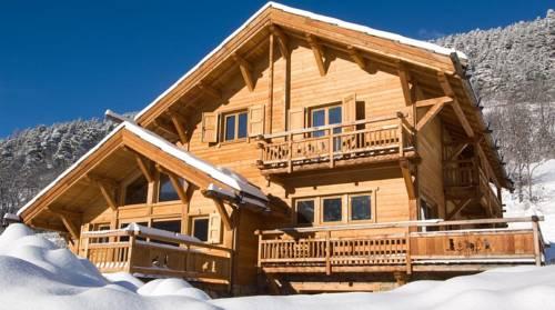 Chalet Les Marmottes : Guest accommodation near La Salle-les-Alpes