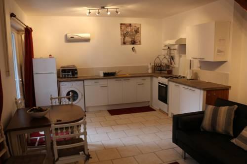 Gîte de Maison d'Angle : Apartment near Agnac
