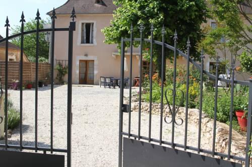 Au pays de Jacquou : Chambre d'hôtes, table d'hôtes et gîte : Bed and Breakfast near Bars