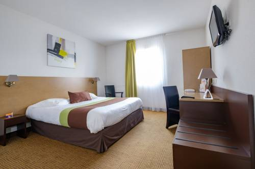 Inter-hotel Acadine : Hotel near Villez-sur-le-Neubourg