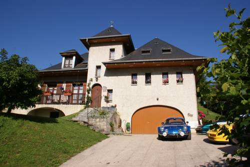 Demeure d'hôtes Les Irisynes : Bed and Breakfast near Meyrieux-Trouet