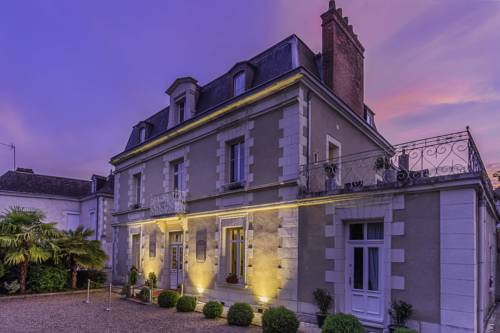 Le Pavillon Des Lys : Hotel near Pocé-sur-Cisse