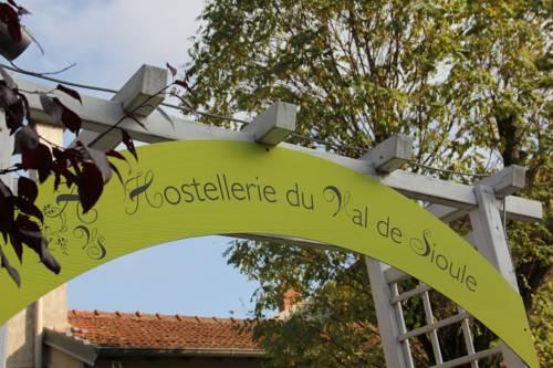 Hostellerie du Val de Sioule : Hotel near Le Mayet-d'École