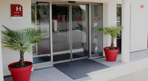 Saglam Hôtel : Hotel near Le Thillay