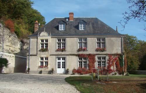 Chambre d'hôtes Le Manoir de la Guépière : Bed and Breakfast near Saint-Martin-le-Beau