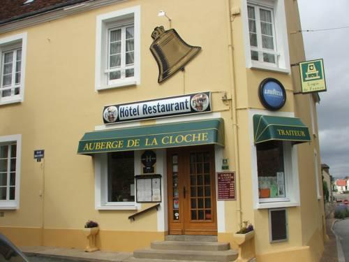 Auberge de la Cloche : Hotel near Condeau