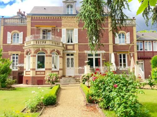 Villa La Gloriette : Guest accommodation near Darnétal