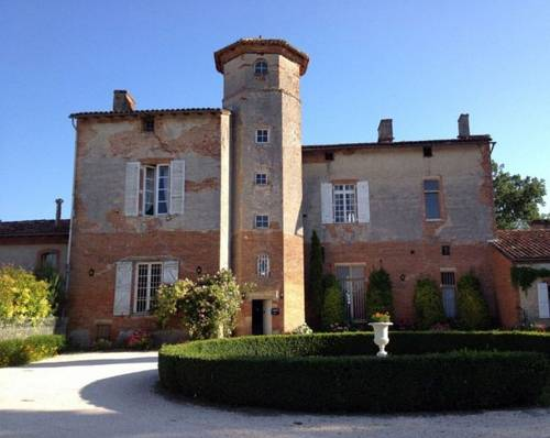 Chateau de Thegra : Bed and Breakfast near Montrabé
