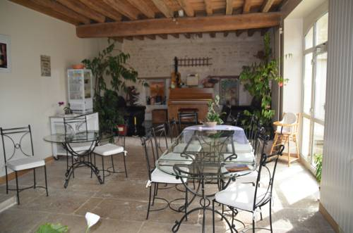 Domaine Maltoff : Bed and Breakfast near Lucy-sur-Cure