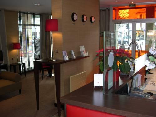 Hôtel La Place (Centre Ville) : Hotel near Reignier-Esery