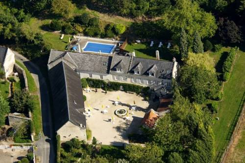 Domaine de Montaigu : Bed and Breakfast near Ambleny