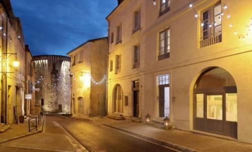 Suites de La Tour Périgueux Centre : Guest accommodation near Périgueux