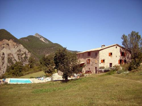 Les 3 Fontaines : Bed and Breakfast near Bayons