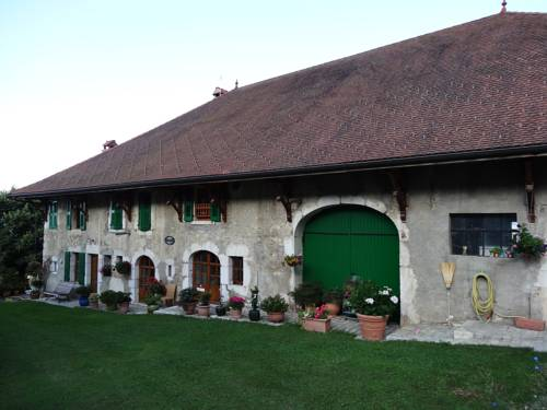 Chambre d'Hôtes La Barotte : Bed and Breakfast near Pougny