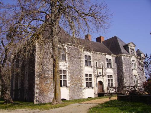 Château de la Fresnaye : Bed and Breakfast near Saint-Aubin-de-Luigné