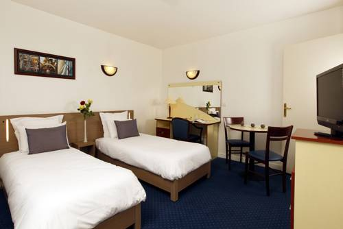 Appart'City Paris Le Blanc Mesnil : Guest accommodation near Aulnay-sous-Bois