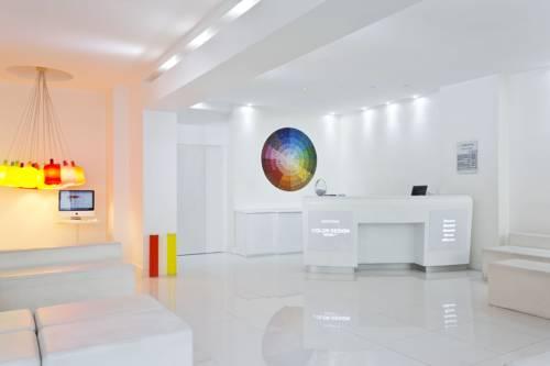 Hotel paris 12e arrondissement hotels near paris 12e for Color design hotel paris