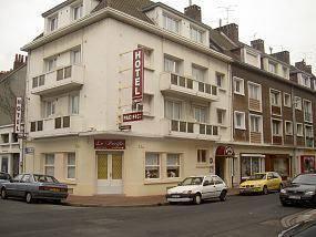 Hôtel Pacific : Hotel near Calais