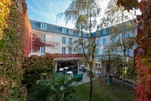 hotel fontainebleau hotels near fontainebleau 77300 france. Black Bedroom Furniture Sets. Home Design Ideas