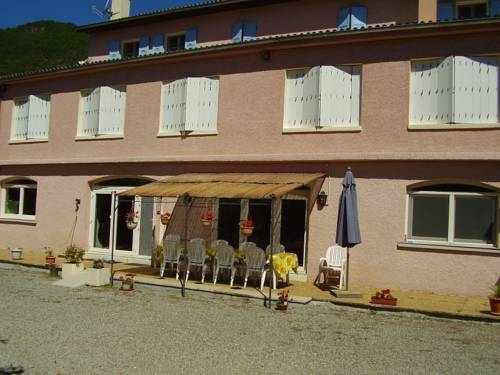Gites les Tilleuls : Bed and Breakfast near Bayons
