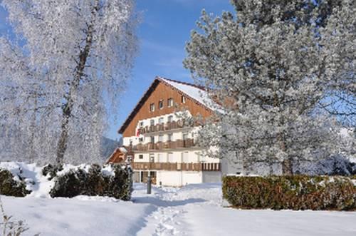 La Roche du Trésor Village Vacances : Guest accommodation near Montperreux