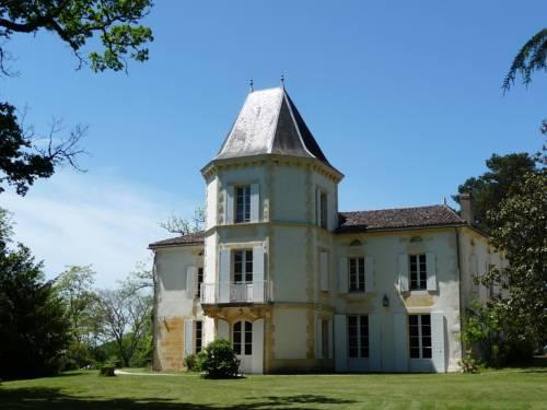 Domaine de Fonroques : Guest accommodation near Bonneville-et-Saint-Avit-de-Fumadières