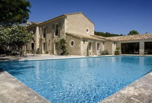 Les baux de provence map of les baux de provence 13520 for Hotel design provence