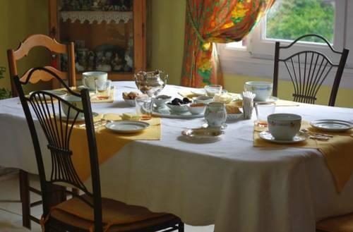 Chambres d'Hôtes Fondragon Les Cedres : Bed and Breakfast near Astaffort